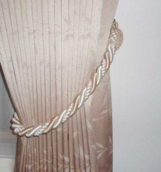 Tie Back